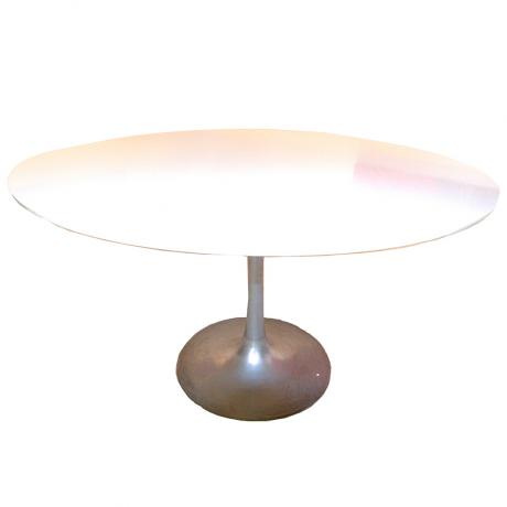 Eero Saarinen Tulip table designed