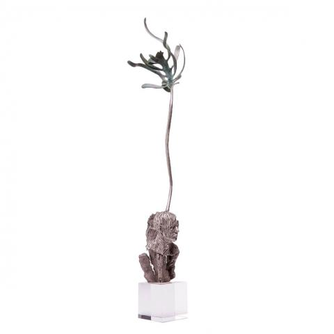 Stanislaw Trzebinski, Thinking About Kelp, 2016  (Collaboration with Charles Haupt), Bronze and stainless steel on lead crystal base, Variable Edition, 1/7 + 2 AP, 68cm x 15cm x 15cm